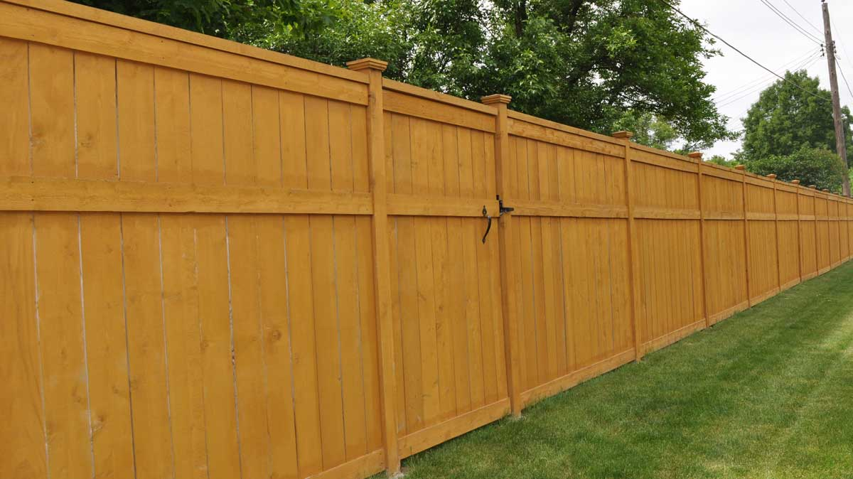 How to Install a Wood Privacy Fence  Inch Calculator