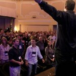 7 Ways to Keep Your Audience Engaged Tony Robbins-Style