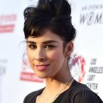 Sarah Silverman's Compassionate Response to Hateful Tweet is a Master Class in Emotional Intelligence