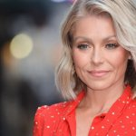 Dear Kelly Ripa: You Cannot Defeat the Instagram Trolls, You Can Only Do This One Simple Thing