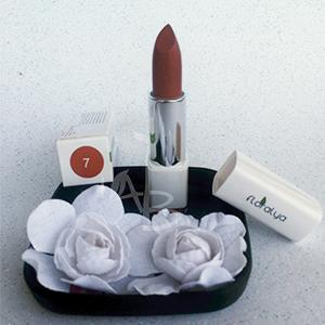 Colore del rossetto 07 della linea make-up Floralya di Juveniis