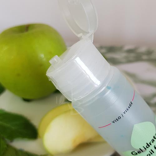 Particolare dell'erogatore del gel oil free di Biofficina Toscana