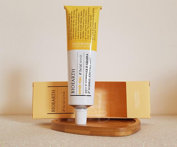 Packaging dello scrub viso all'alga rossa di Bioearth
