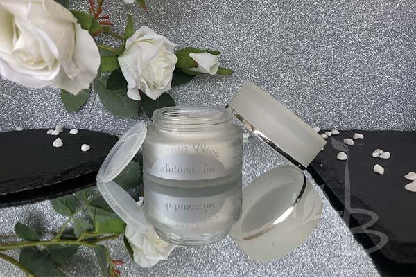 Packaging crema viso antimacchie AmaTè