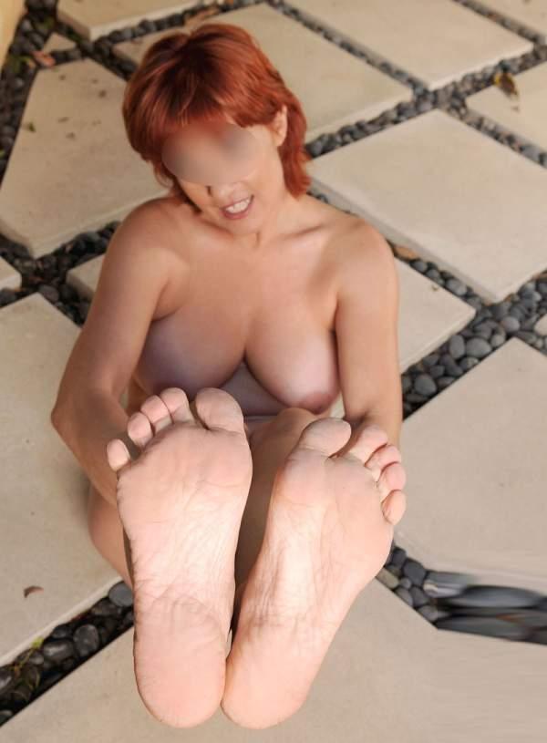 Donna matura amante foot fetish a Genova foto uno