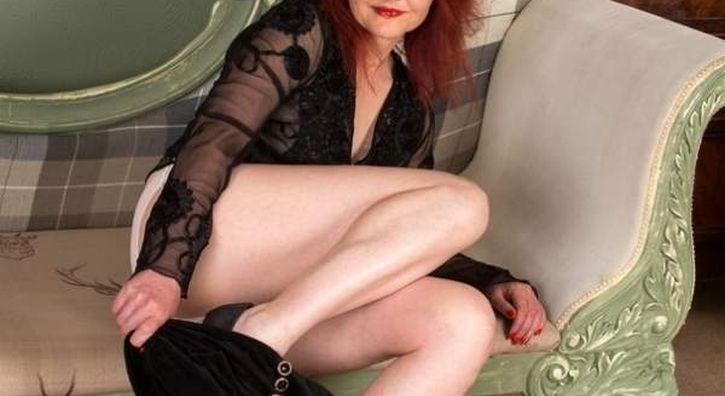Donna cougar per incontri di sesso a L'Aquila