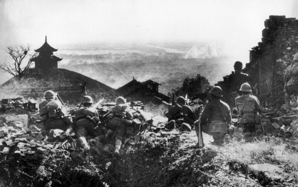 CHINA - DECEMBER 01:  War Between China And Japan : Occupation And Invasion Of Nankin In December 1937.  (Photo by Keystone-France/Gamma-Keystone via Getty Images)