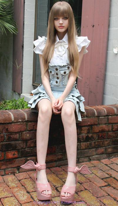 Chin Girl Wallpaper Real Life Barbie Girl Incredible Snaps