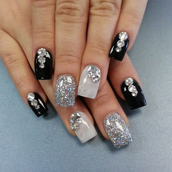 55 Creative Black And White Nail Art Exles 18