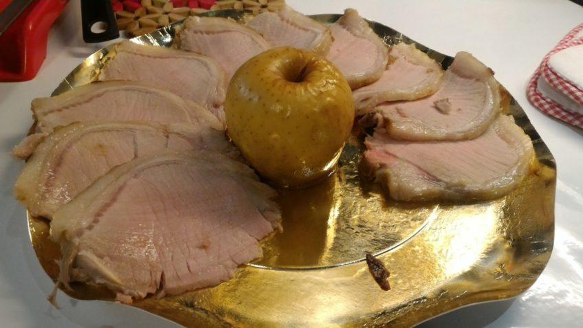 Carr di maiale glassato con mele  Ricetta secondo carne  Ricetta Natale