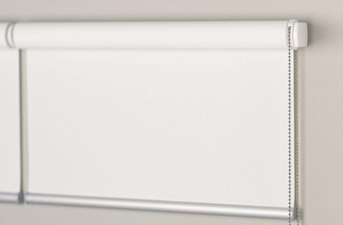 Antivento, che scorrono nelle guide laterali in alluminio, versione indoor/outdoor omologata en 13561:2015. Vendita Tende A Rullo Oscuranti A Ravenna Pellegrino Srl