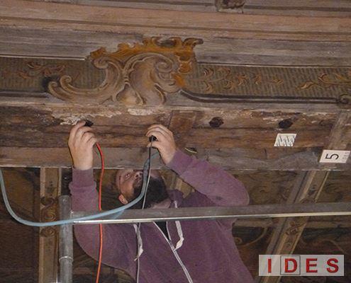 Analisi ultrasonica su legno