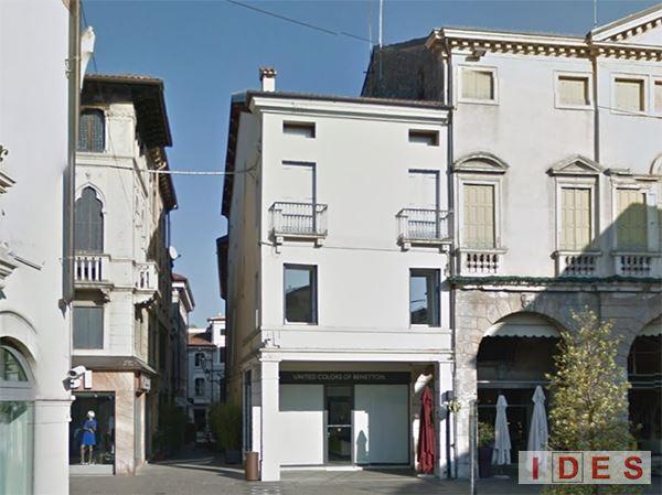 Palazzo in Piazza Cimone - Thiene (Vicenza)