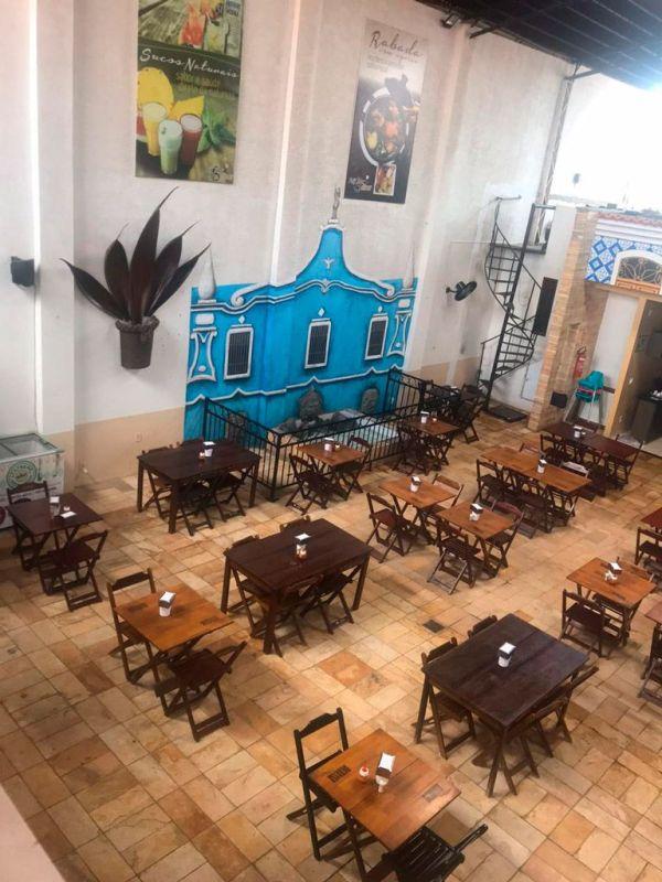 Espaço agradável no restaurante em sao luis do maranhao