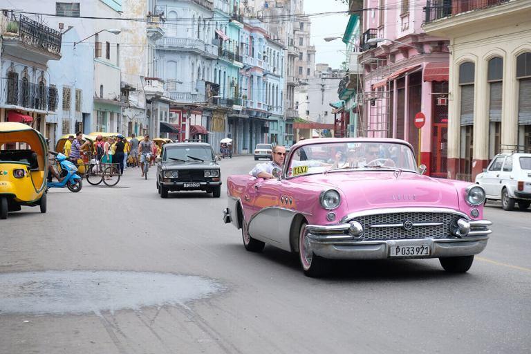 carros turísticos em cuba