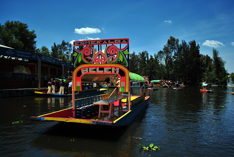 trajinera em Xochimilco