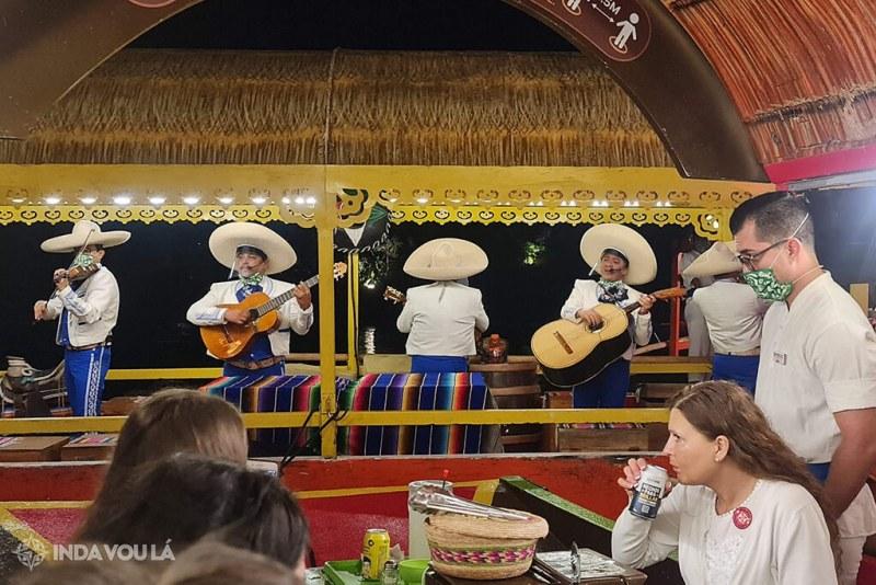 Grupo Mariachi no Xoximilco