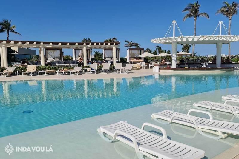 piscina do hotel all inclusive