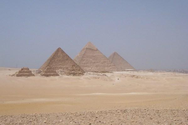 viagem-egito-pixabay-pyramid-315298_1280