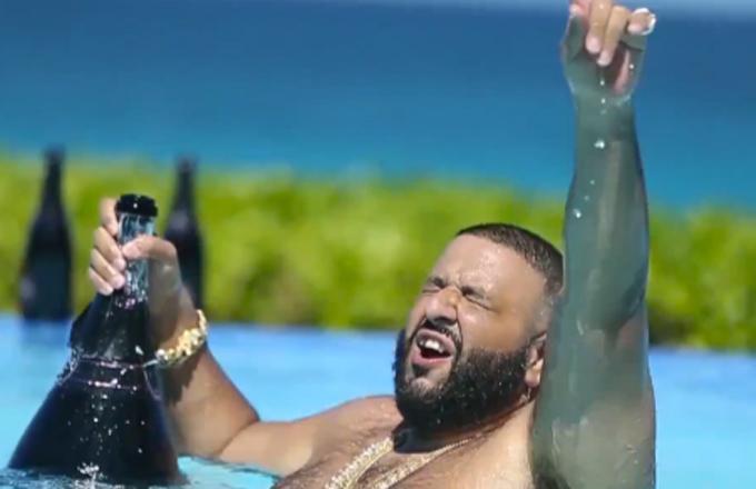 DJ Khaled viert zijn nummer-1 hit 'Hold You Down'