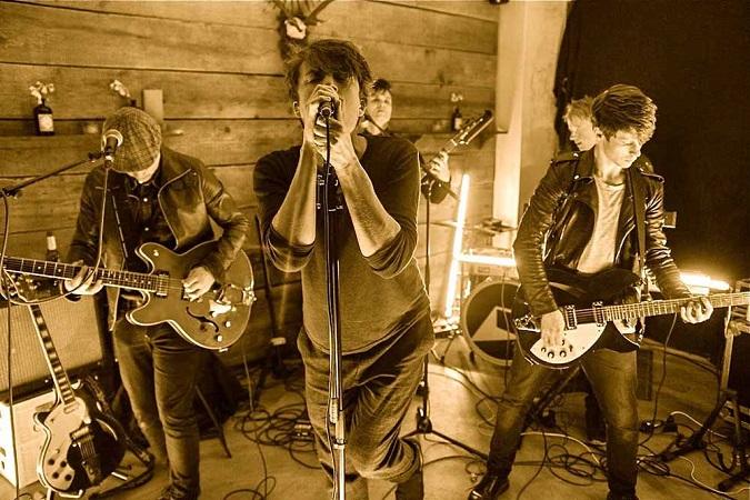 A Projection: introductie van de Zweedse band