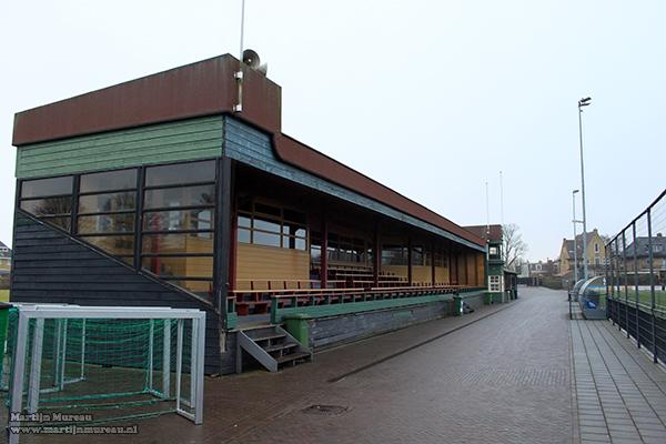 De volledige tribune in zijn volle glorie (foto uit 2011)