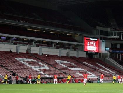 Een leeg PSV Stadion, foto van fortunasc.nl