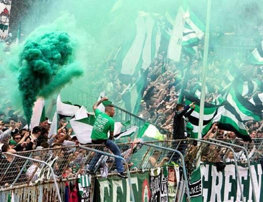 Ferencvaros fans op bezoek bij Csepel