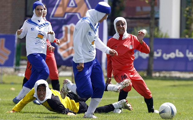 Voetbalwedstrijd in Iran voor vrouwen