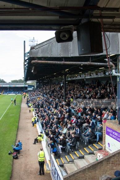 De East Stand, een van de weinige houten tribunes in de hoogste Engelse klassen
