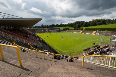 Overzicht van het Ellenfeldstadion in Neunkirchen