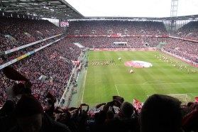 Köln en Stuttgart komen het veld op