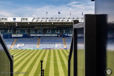 Een blik op het veld, vanaf de prachtige oude houten tribune