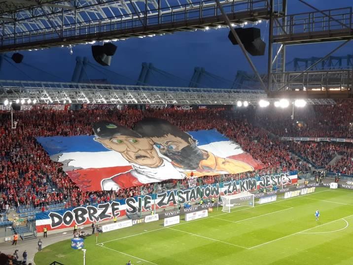 Spandoek van de Wisla Krakau supporters