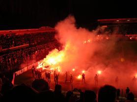 Supporters van FC Groningen nemen afscheid van het oude stadion: het Oosterparkstadion