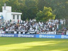 Supporters in hun oude stadion (via Martin Štvrtecký en ultras.sk).