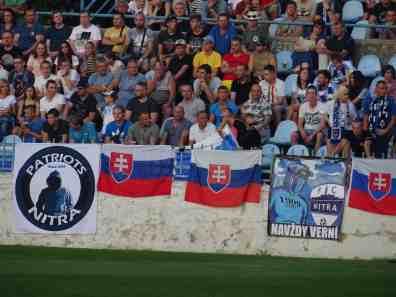Er waren genoeg Slowaakse vlaggen te zien (via http://mmgroundhopping.blogspot.com/).