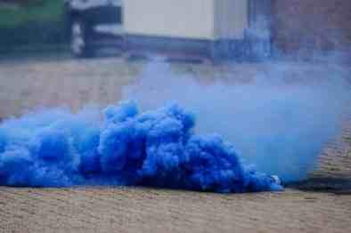 Blauwe rookbom bij Ijsselmeervogels - Quick Boys