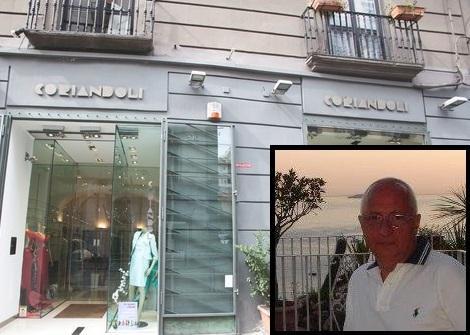 Napoli, crolla un cornicione: morto un negoziante