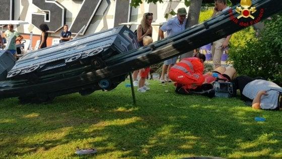 Verona, si ribalta trenino : anche due bimbi tra i feriti