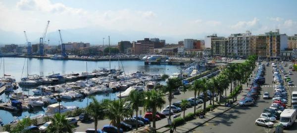 Blocco dei porti, lettera alla ministra De Micheli che convoca le parti