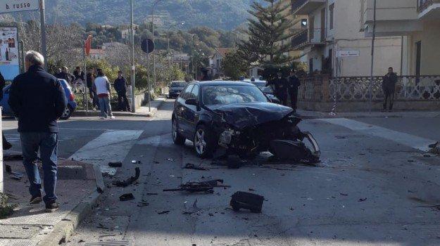 Torrenova, forzano un posto di controllo e provocano un incidente |VIDEO