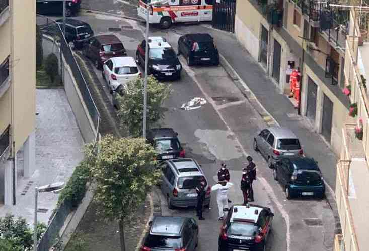 Si butta giù dal sesto piano: secondo suicidio a Salerno in due giorni