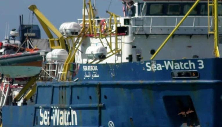 Sea Watch 3, almeno in 28 migranti positivi al Covid-19
