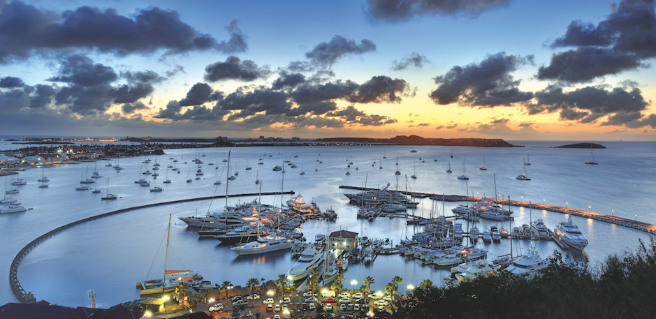 luxury yacht charters in