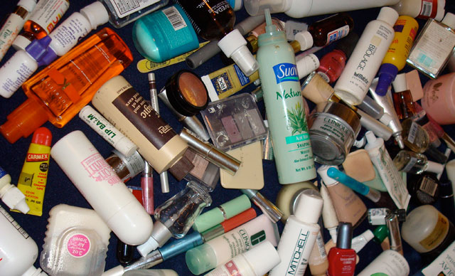 Regulations on imported cosmetic and personnel care products to be issued.