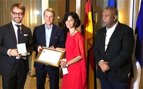 Minister praises Sri Lankan human rights activist on receiving Franco-German Human Rights award