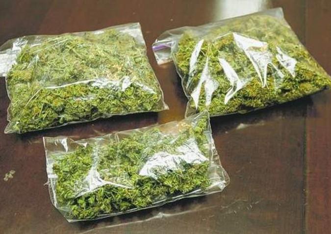 Three arrested bringing 100 kilograms of marijuana from Point Pedro coast