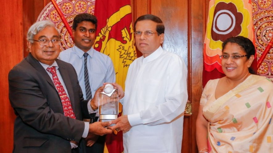 International award to President in recognition of anti-drug campaign