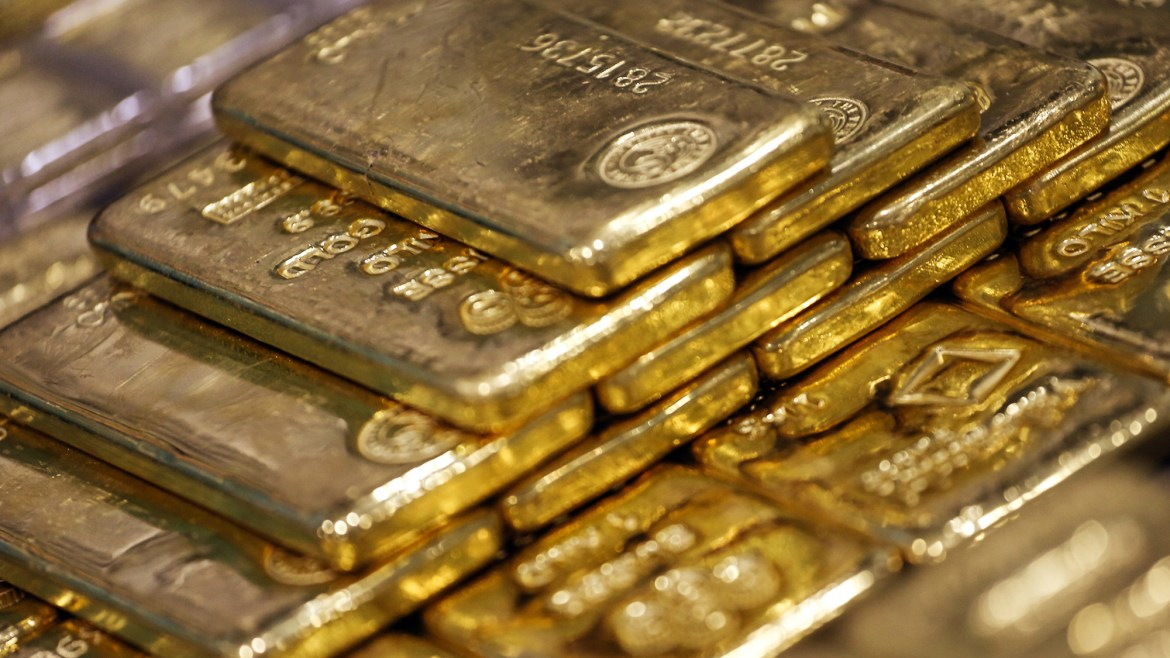 Two Indian nationals smuggling gold worth Rs. 4 million arrested at Sri Lanka's Colombo airport